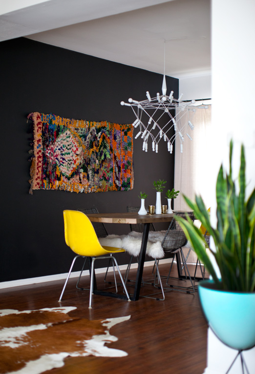 how to hang a rug as wall art chairish blog - Dining Room Wall Hangings
