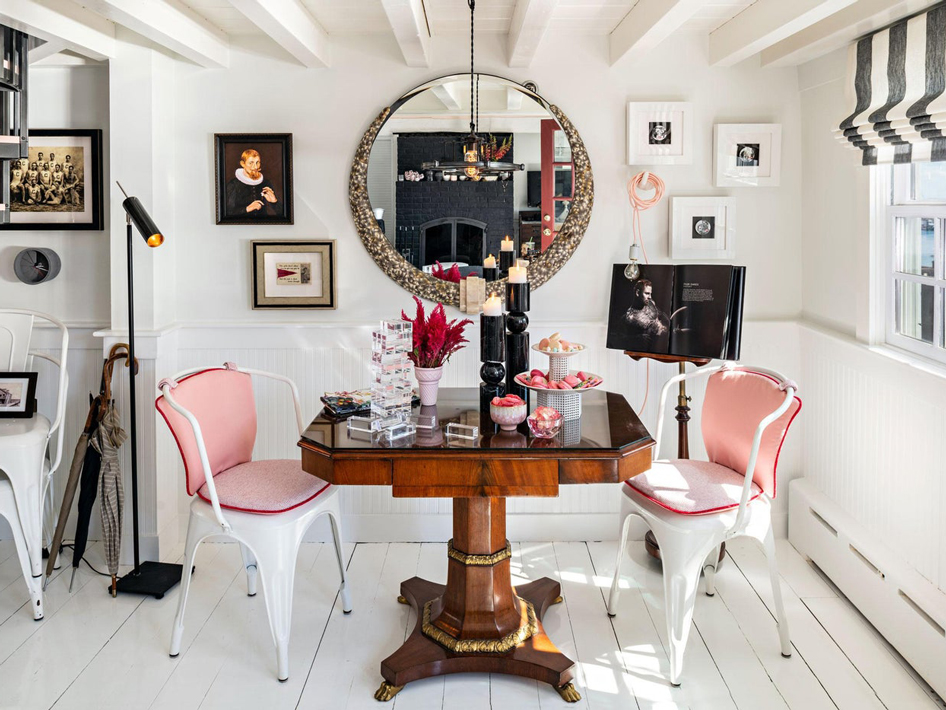 10 Rooms that Mix Traditional & Contemporary Styles