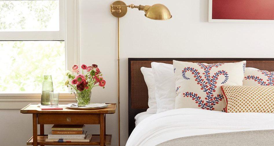 10 Guest Bedroom Essentials - Chairish Blog