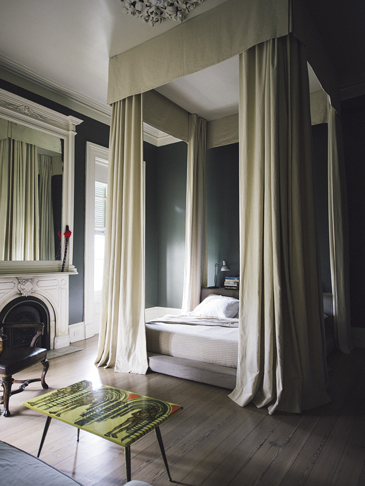 sara-ruffin-costello-new-orleans-canopy-bed