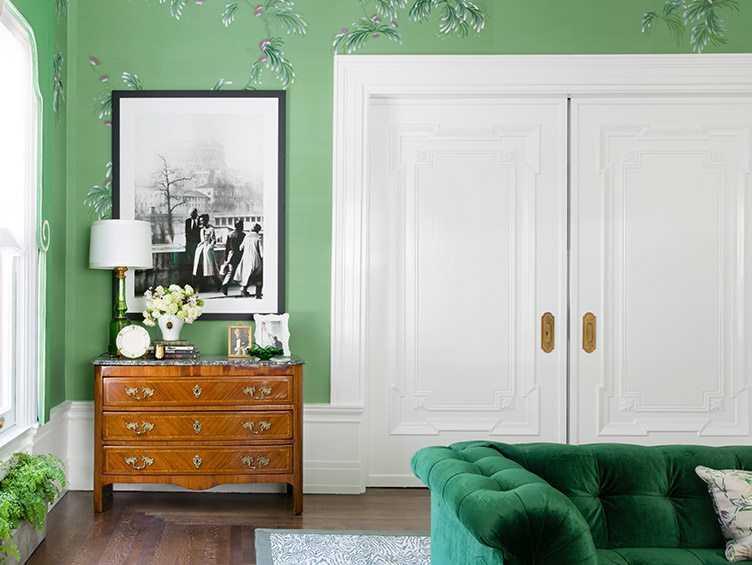 Living Room with de Gournay wallpaper