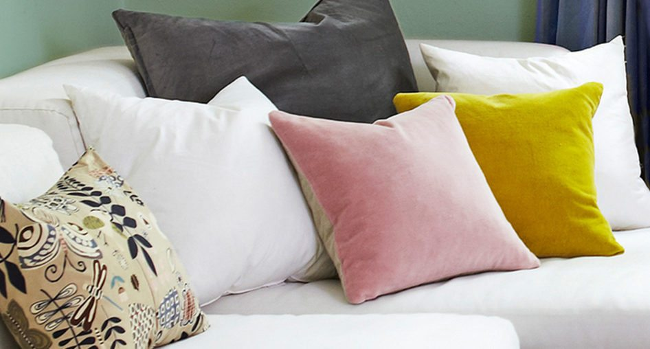 How to Arrange Sofa Pillows A Design Insider s Guide