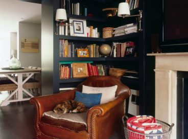 5 Cozy Reading Nook Essentials