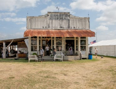 5 Tips For Shopping Round Top, Texas