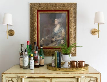 How to Decorate With Vintage Paintings