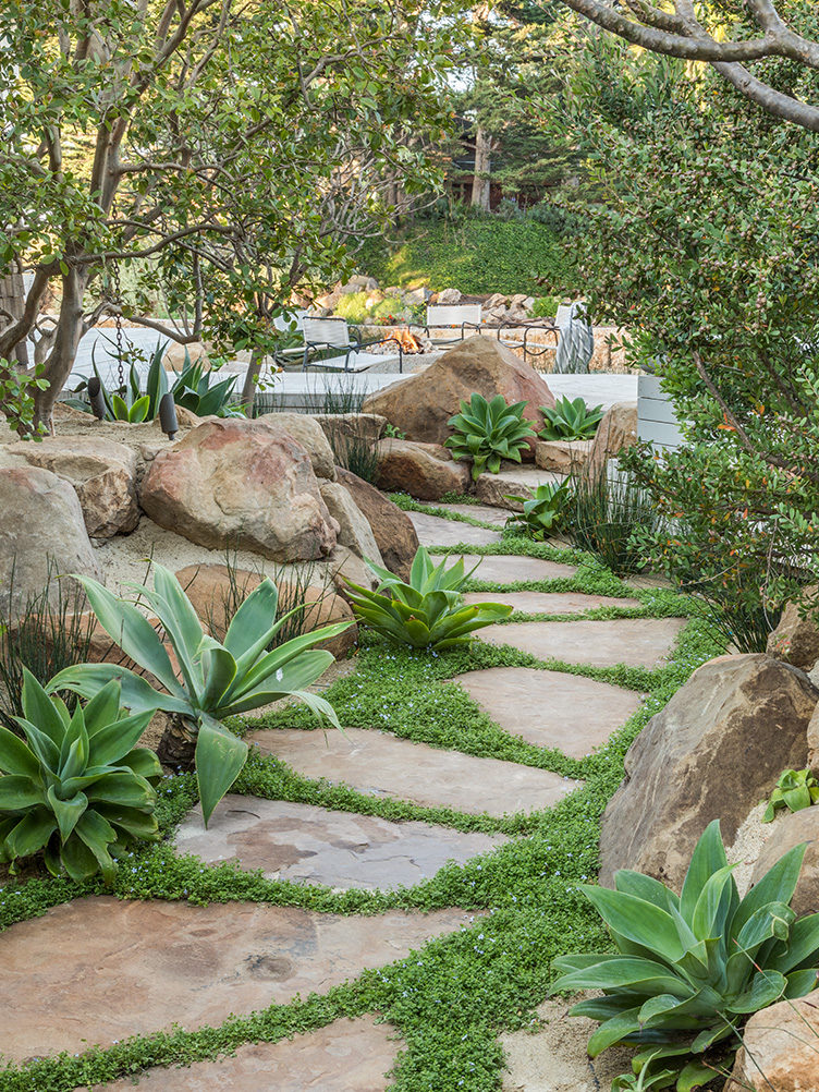 garden ideas, seaside gardens, outdoor living, outdoor furniture, California gardens, agave plants, drought-resistant plantings, gardens with boulders