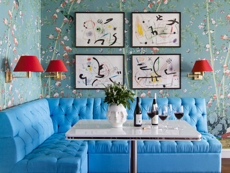 summer thornton breakfast nook with turquoise banquet and chinoiserie inspired wallpaperp