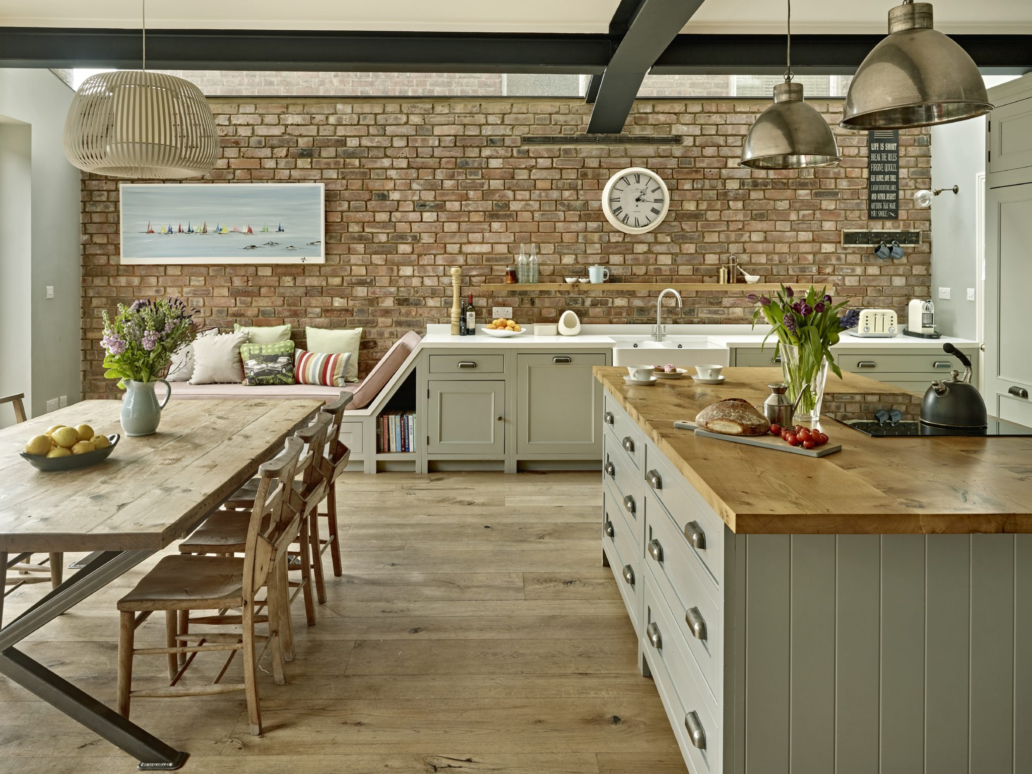 Kitchen diner, Muswell Hill, London, island and dining area by Caz Myers
