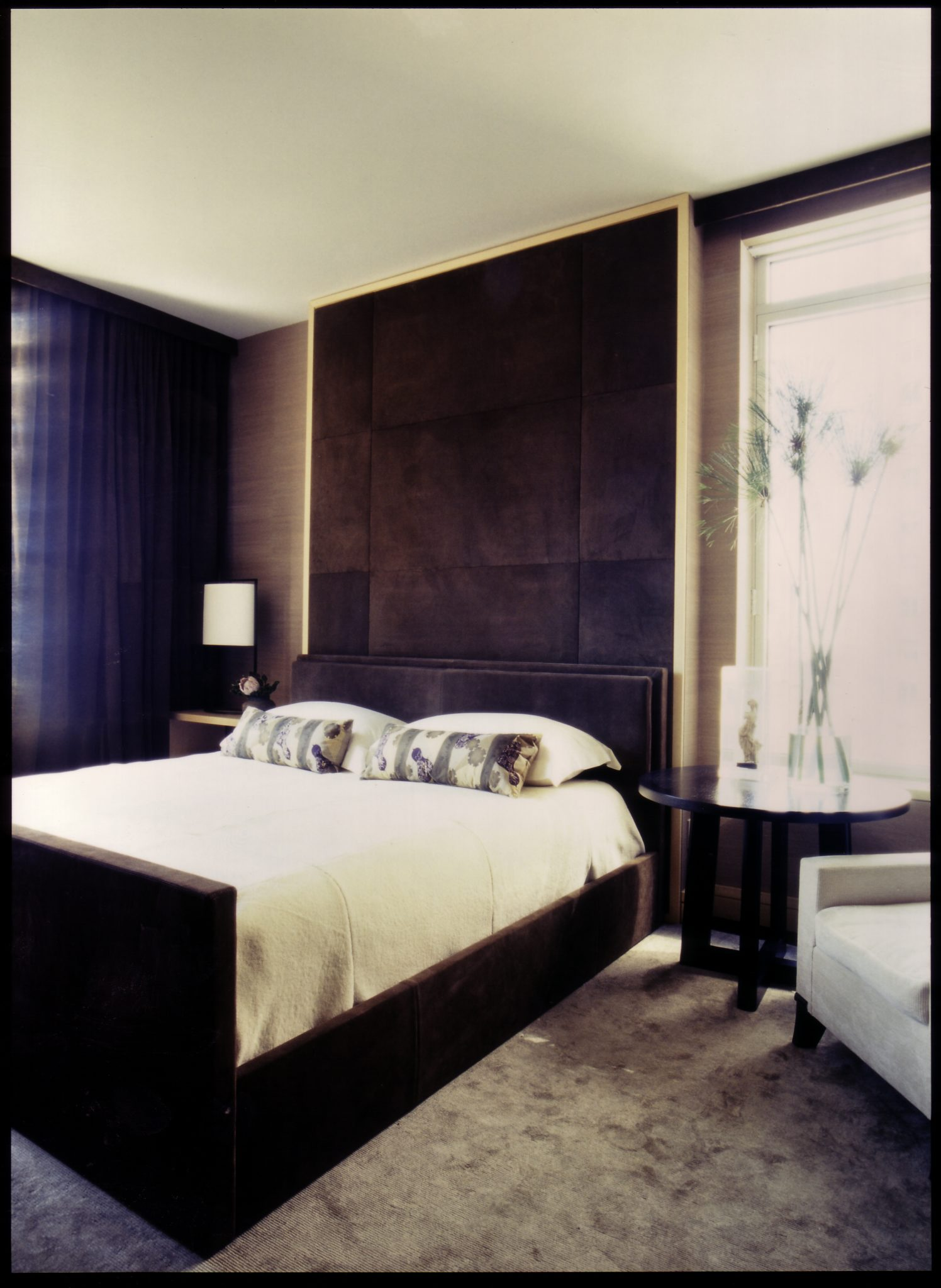 Central Park bedroom by de la Torre design studio llc.