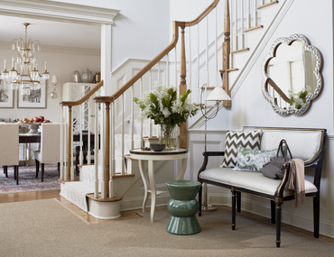 Stylish Stairwell Decorating Ideas