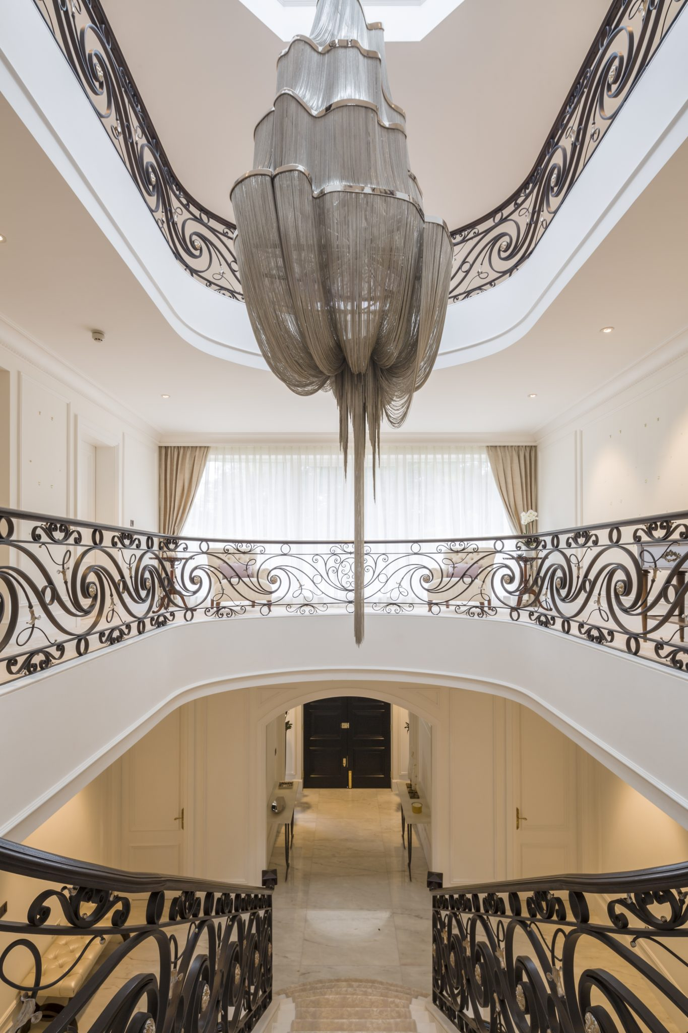 Mansion on the Heath Entrance by KNOF design