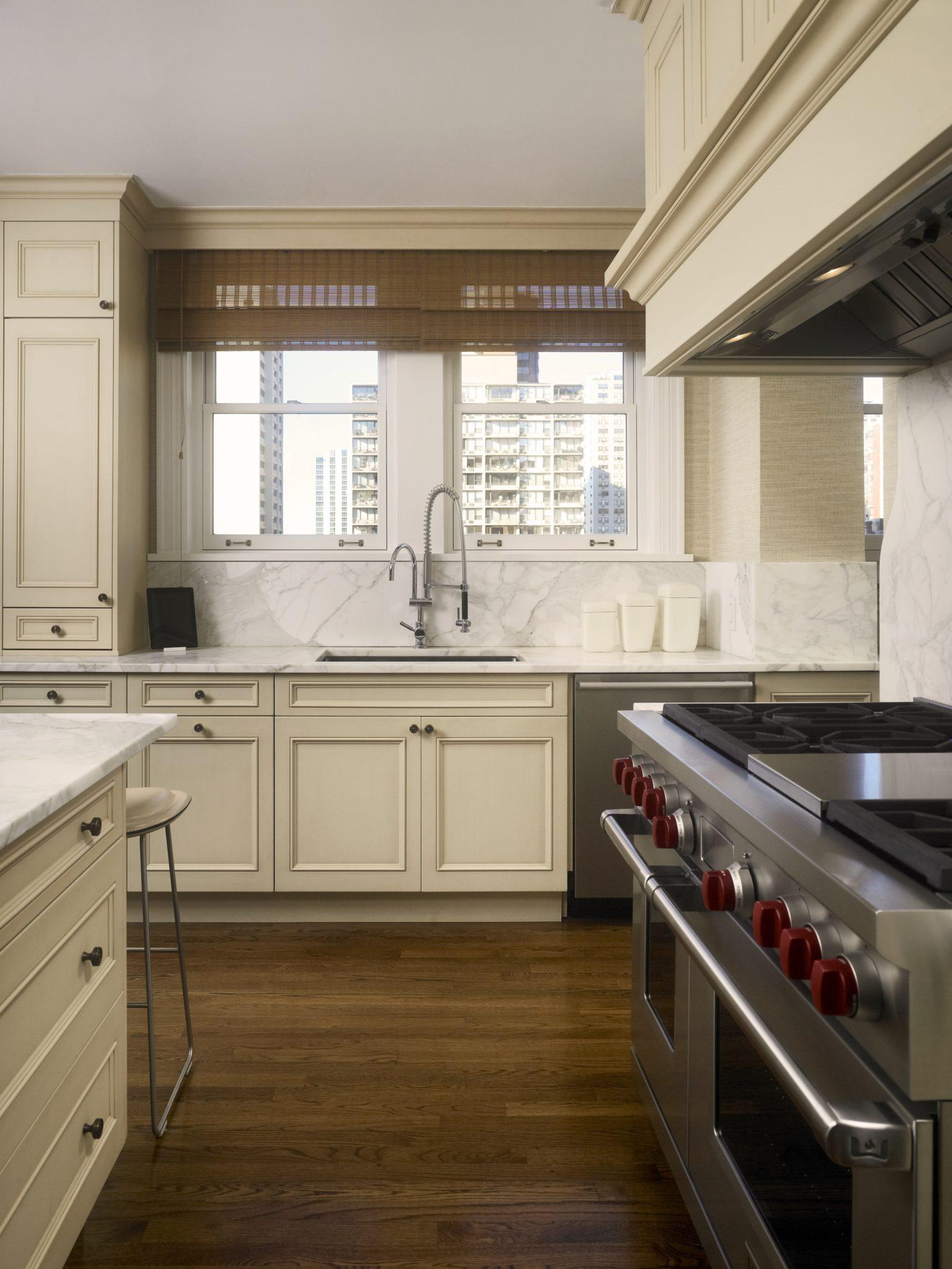 Chicago, Illinois, Gold Coast pre-war co-op apartment by Vincere, Ltd.