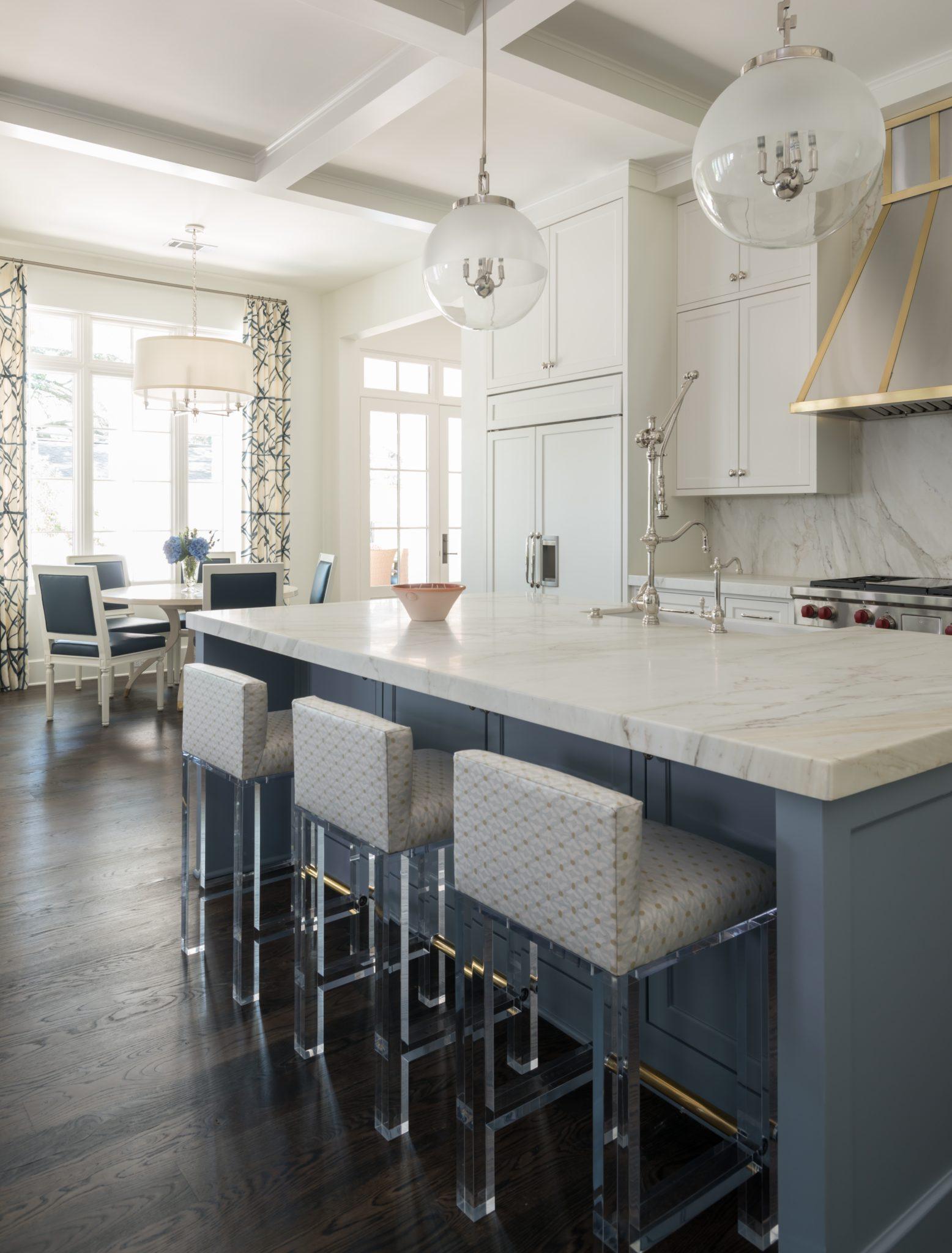 Terwilliger kitchen andbreakfast by Munger Interiors
