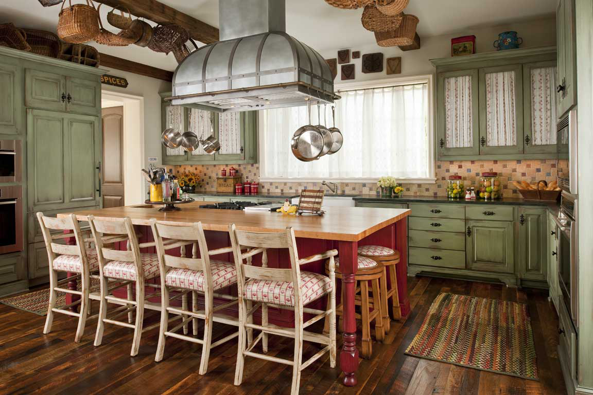 Country French kitchen. By Corley Design