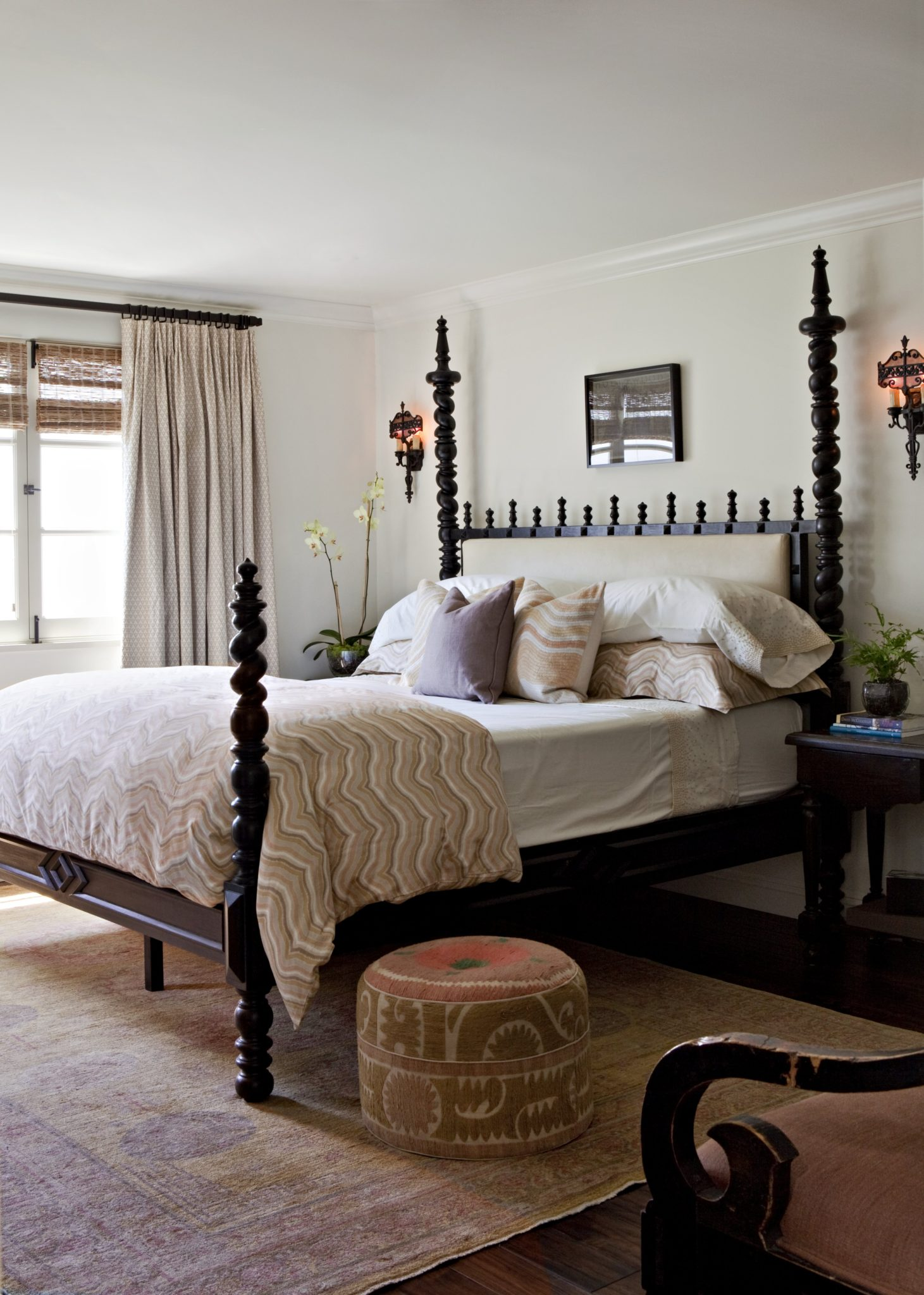 Four-post bedroom by Brown Design Group