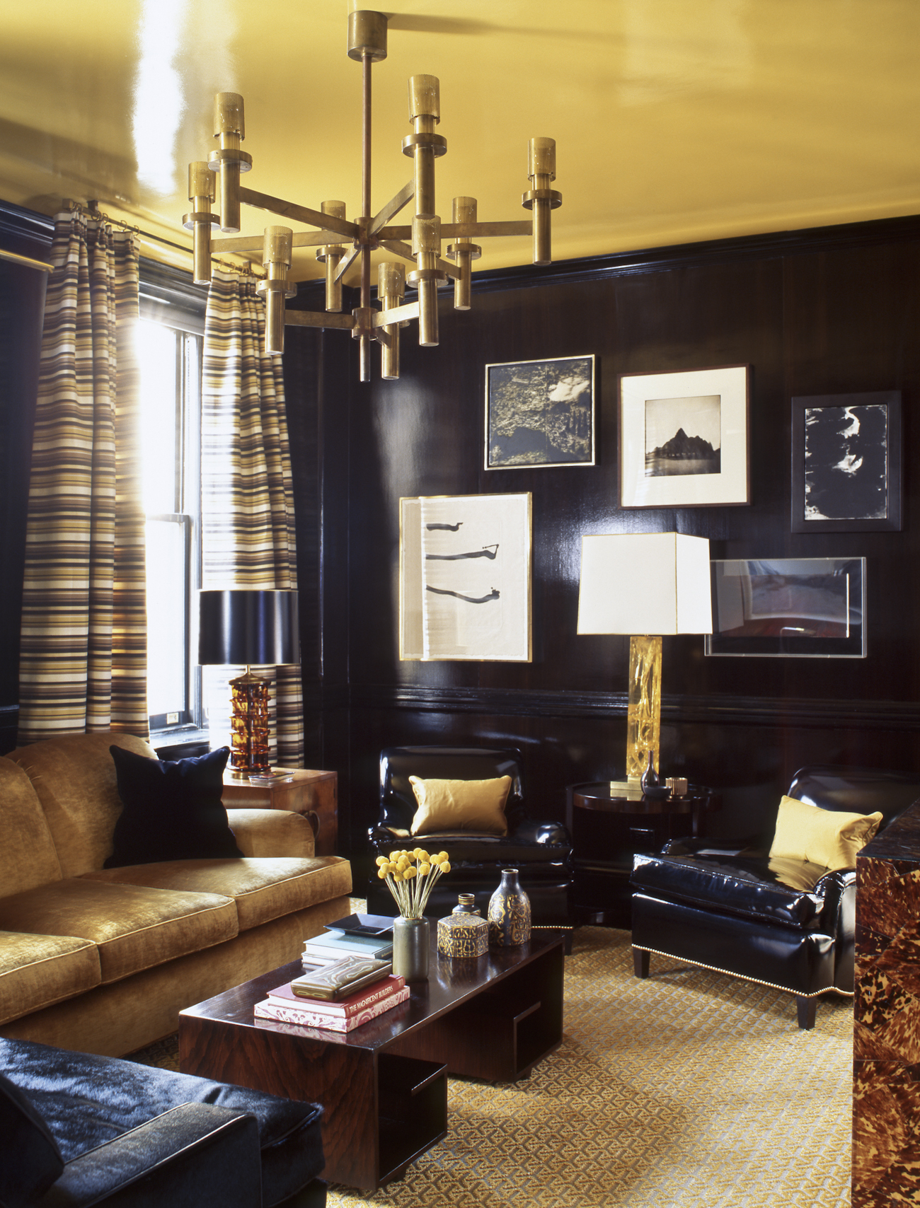Gold Coast Apartment by Steven Gambrel