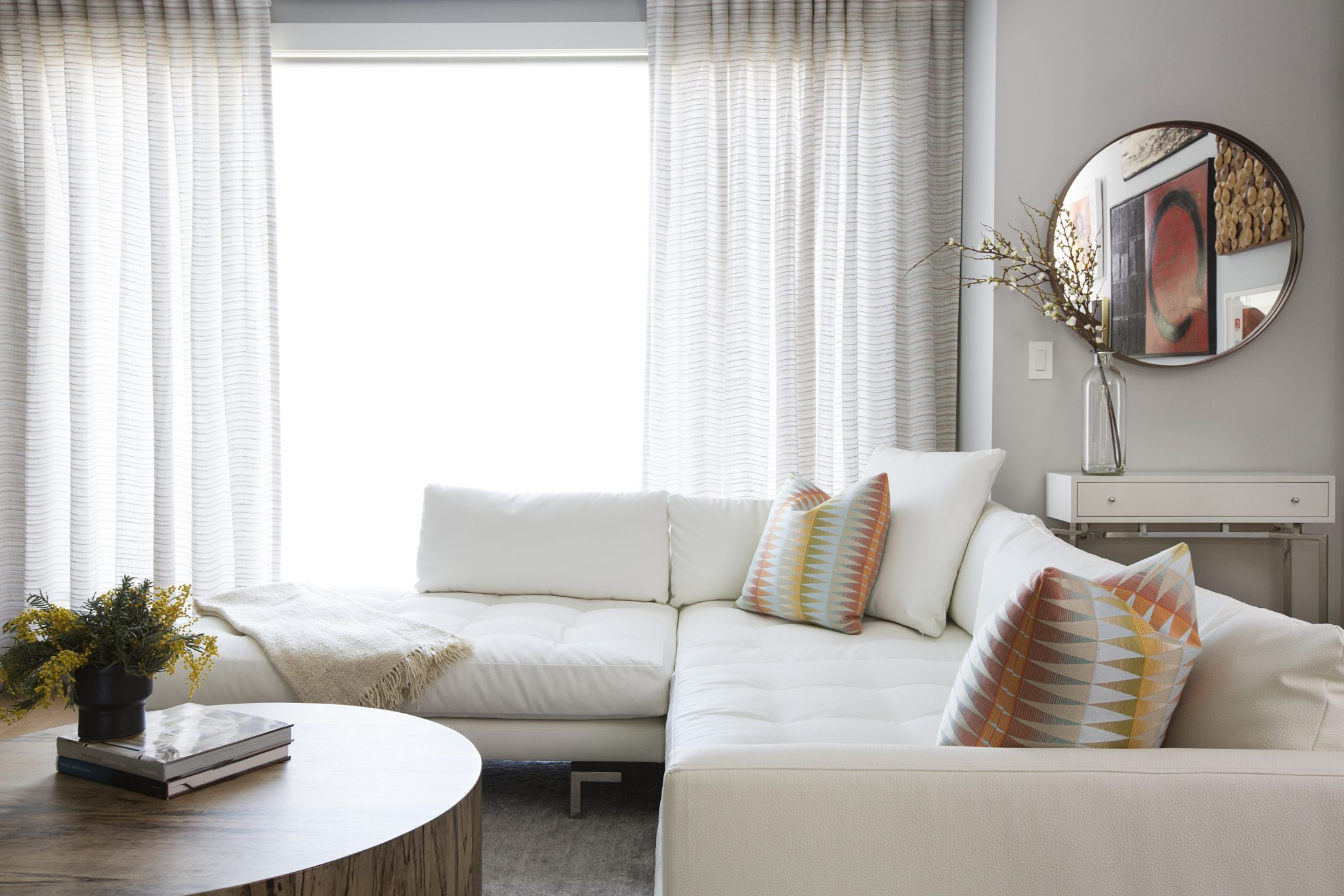 Sunset Pied-à-Terre, Living Room, San Francisco, CA, by Elena Calabrese Design & Decor