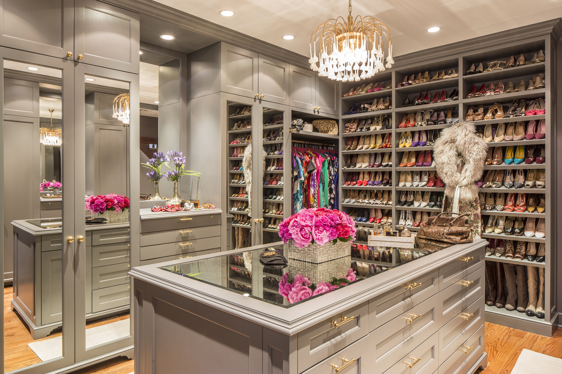 Closet: Brooklyn Style by Marks & Frantz