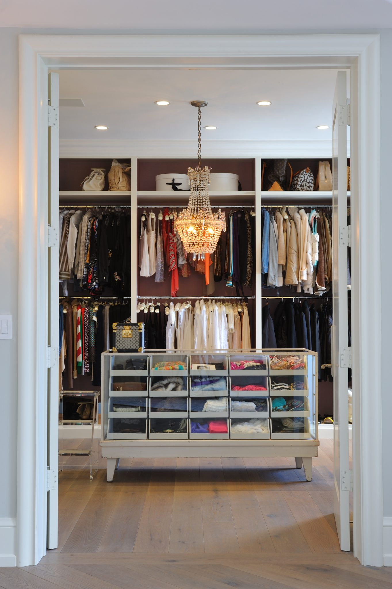 Los Angeles Dressing room by Carden Cunietti