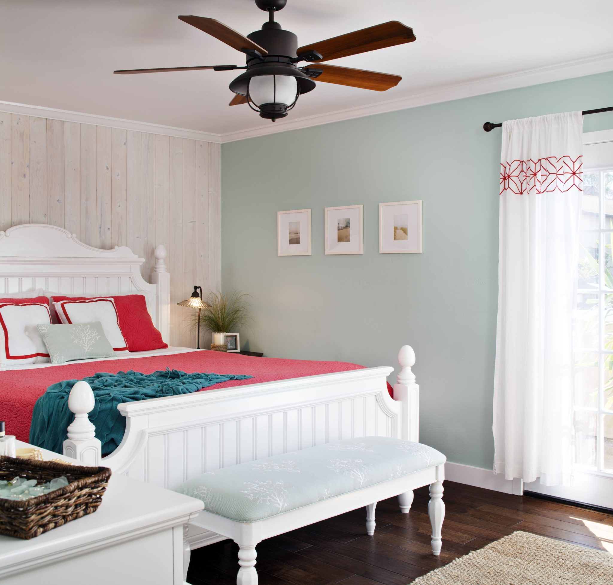 Guest bedroom by CM Natural Designs