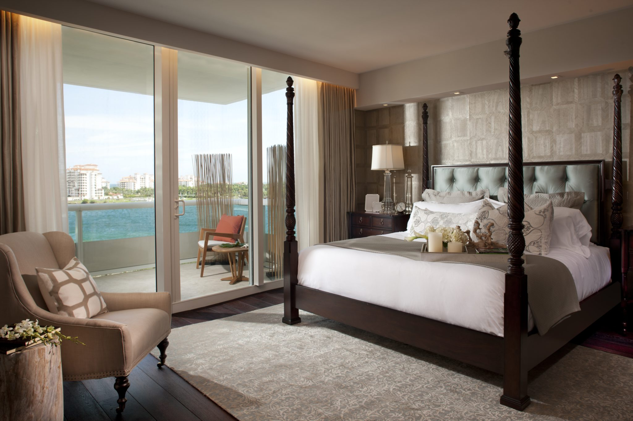 Murano Portofino South Beach - Bedroom by RS3 DESIGNS