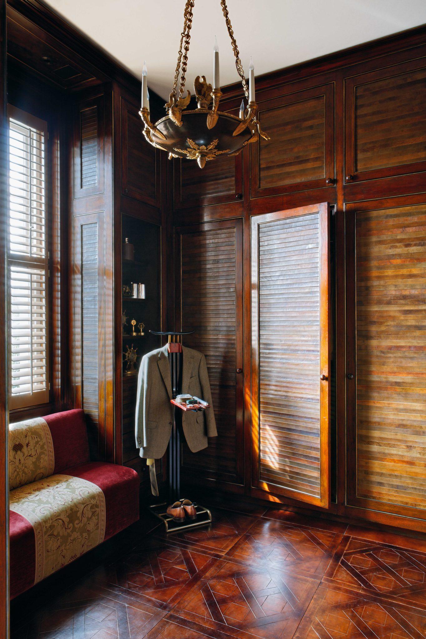 A Gentleman's Dressing Room in London by Alidad