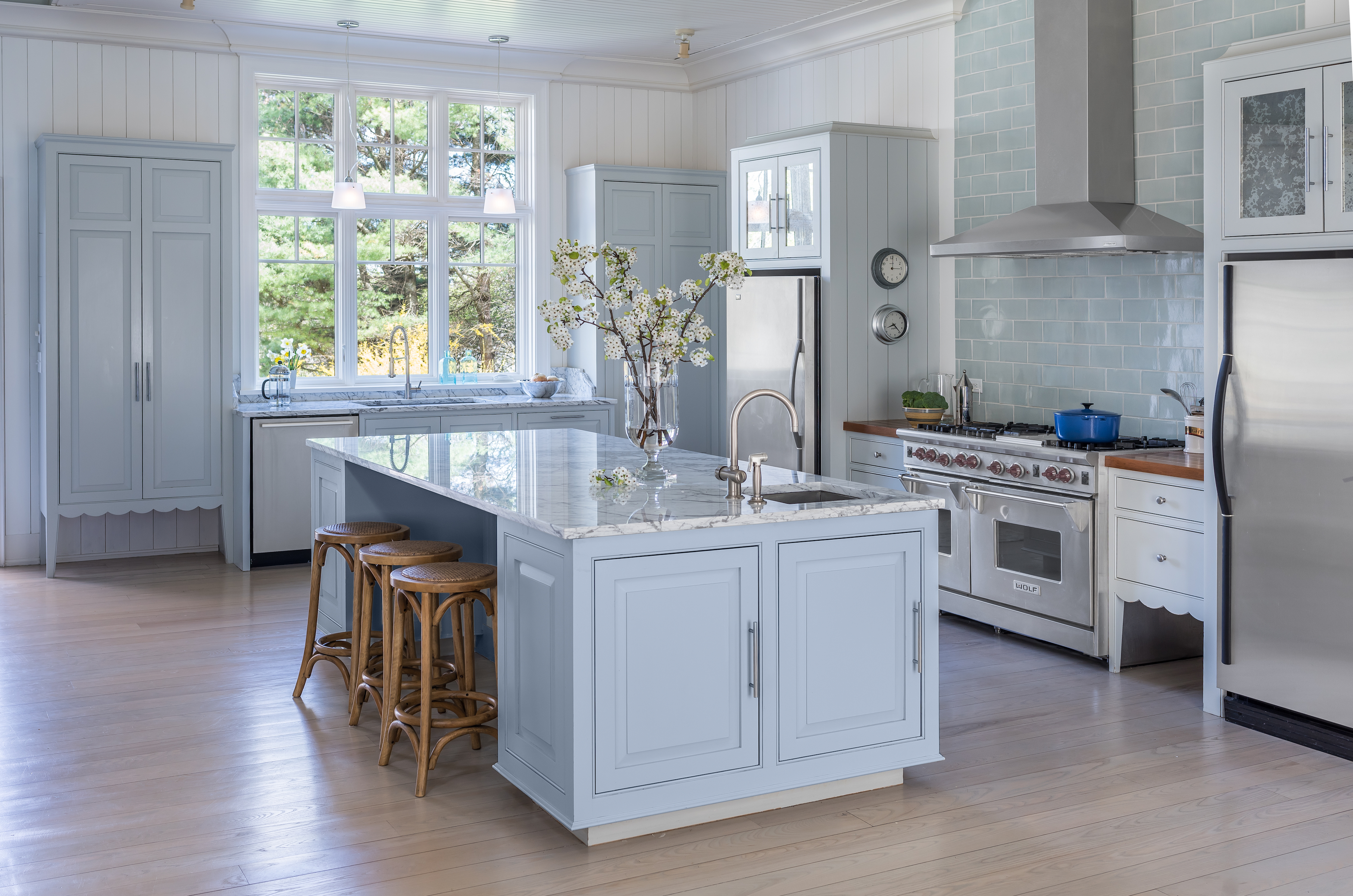Kitchen at luxe barn, Falmouth. By Banks Design Associates Ltd.