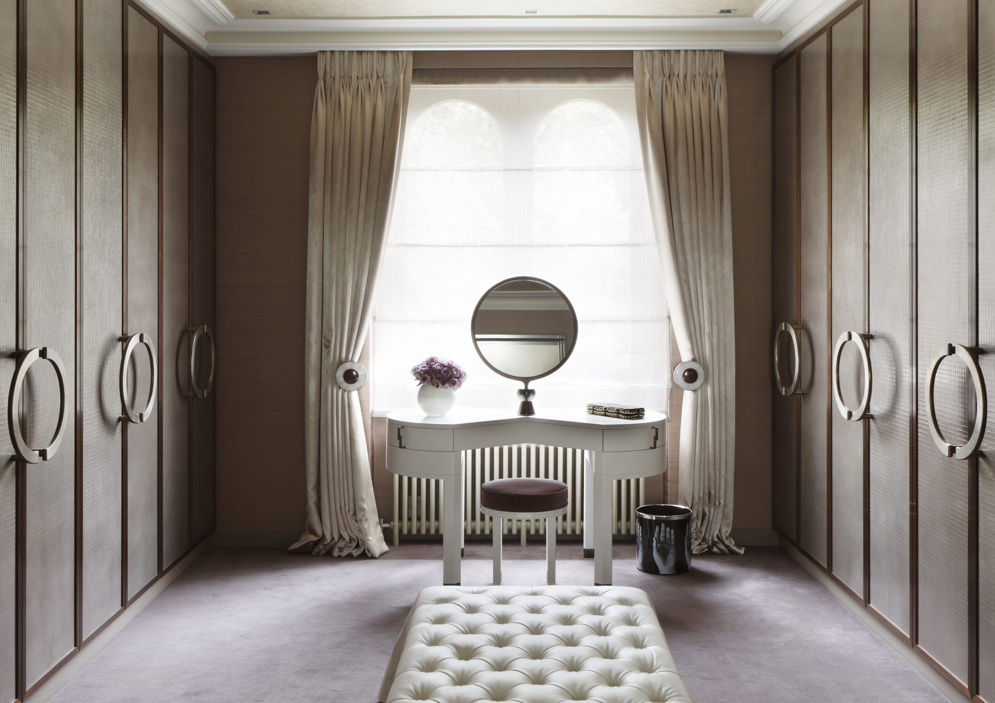 London town house Dressing room by Carden Cunietti