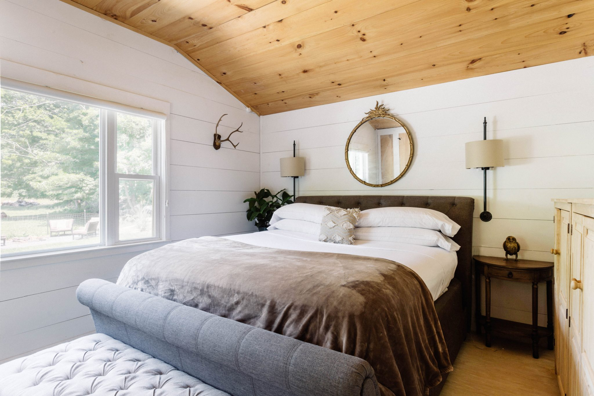 Country Master Suite With Wood Ceiling by Art Home Garden