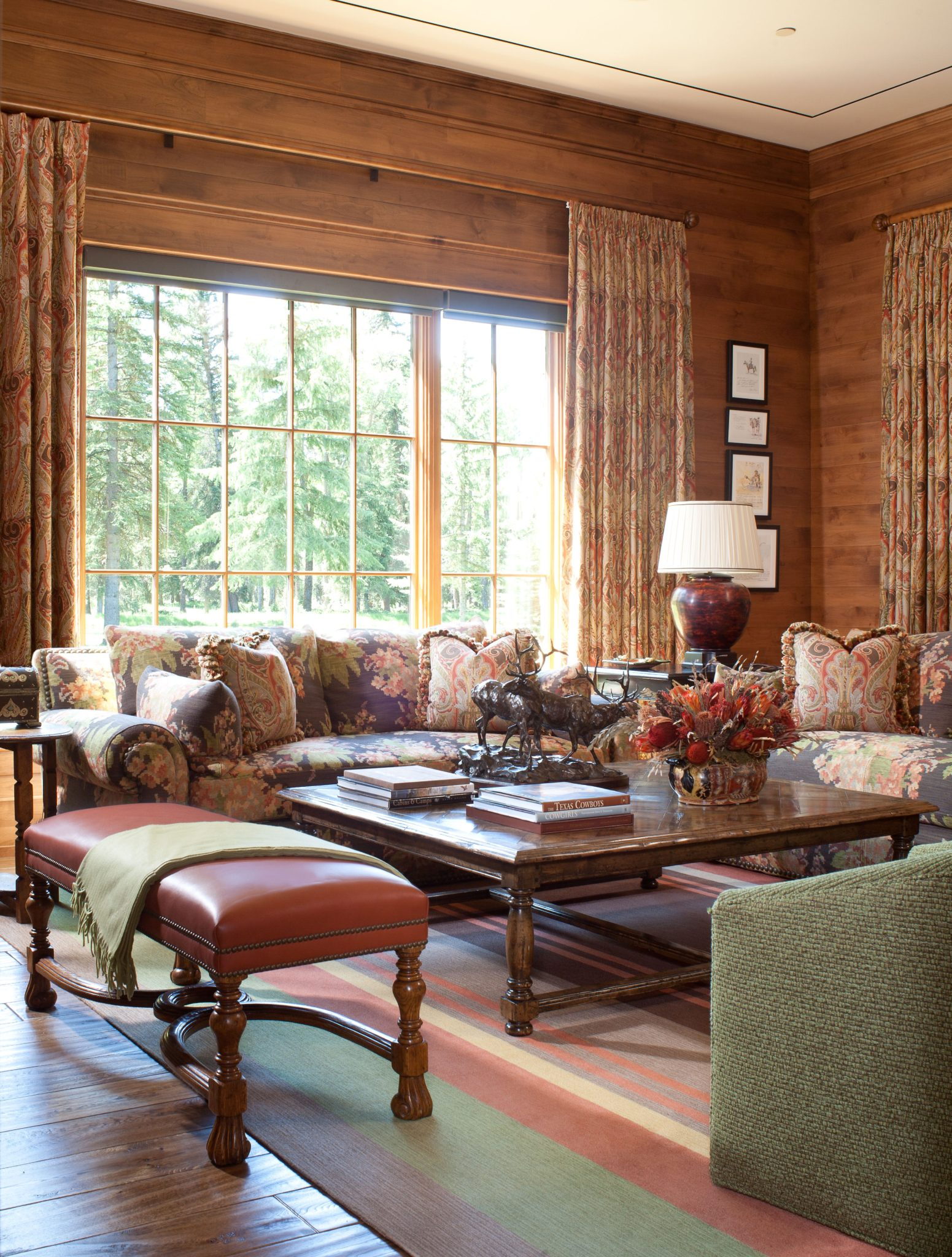 Country paneled sitting room. by Corley Design