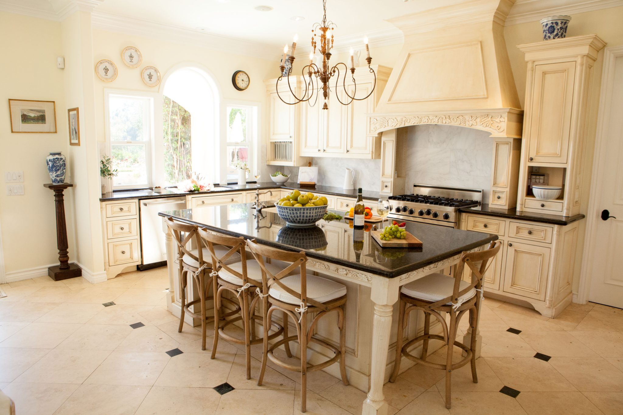 French country kitchen by Amodei