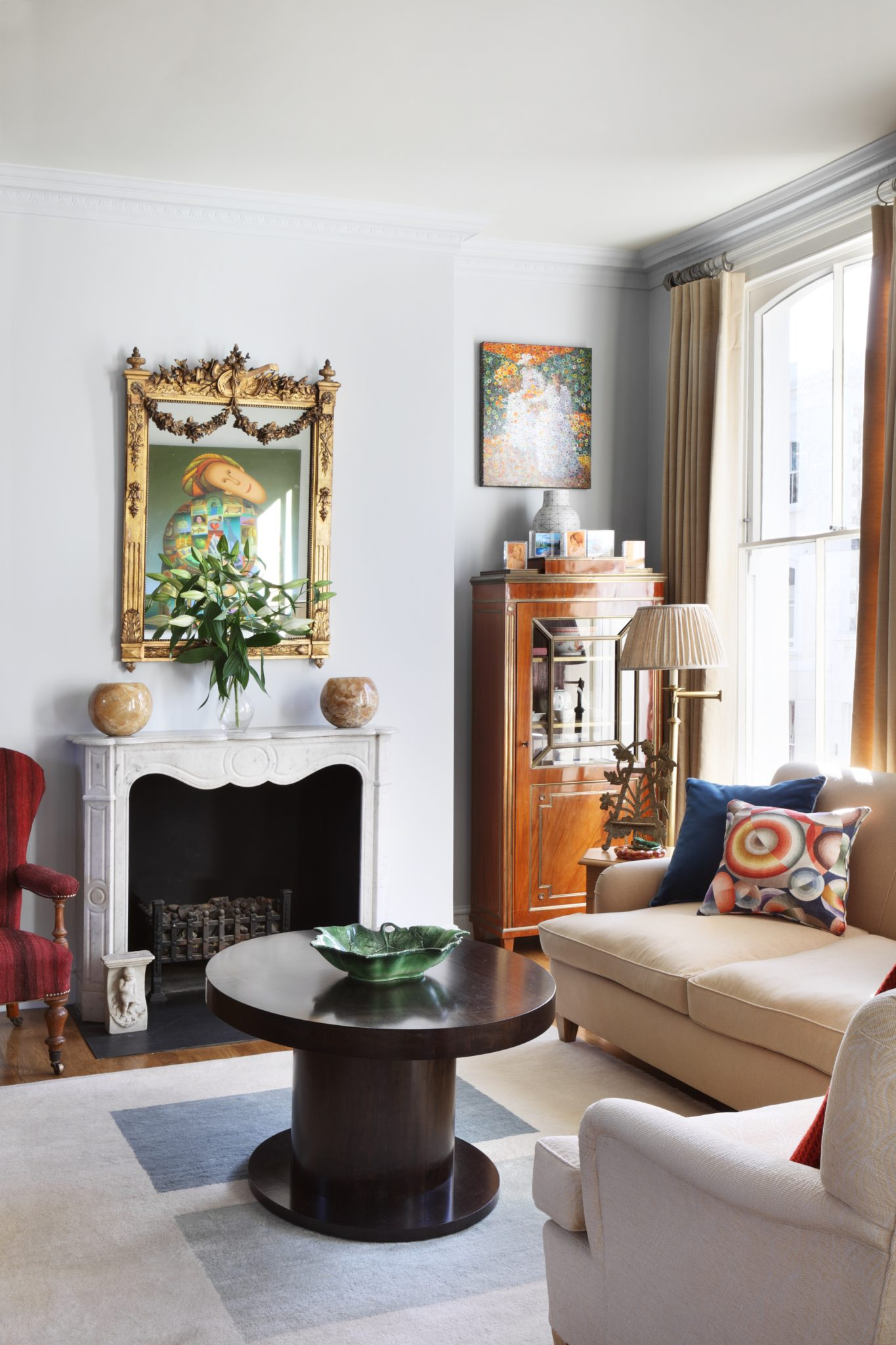 Kensington apartment by Salvesen Graham