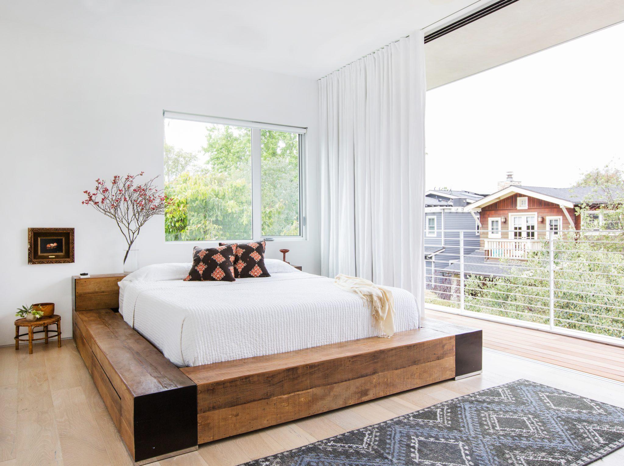 Modern coastal bedroom by Stefani Stein Inc.
