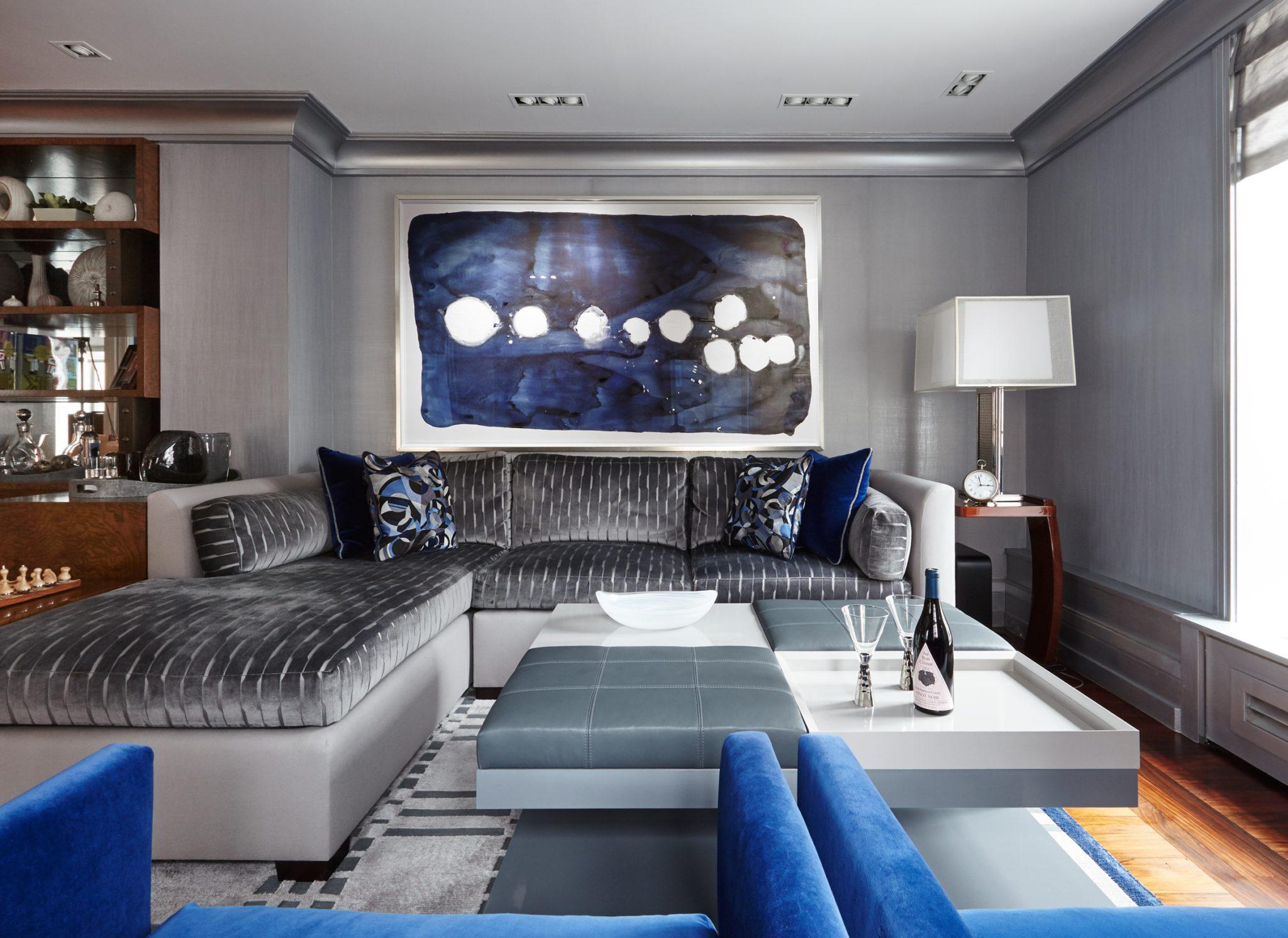 Manhattan apartment by SGH Designs Inc.