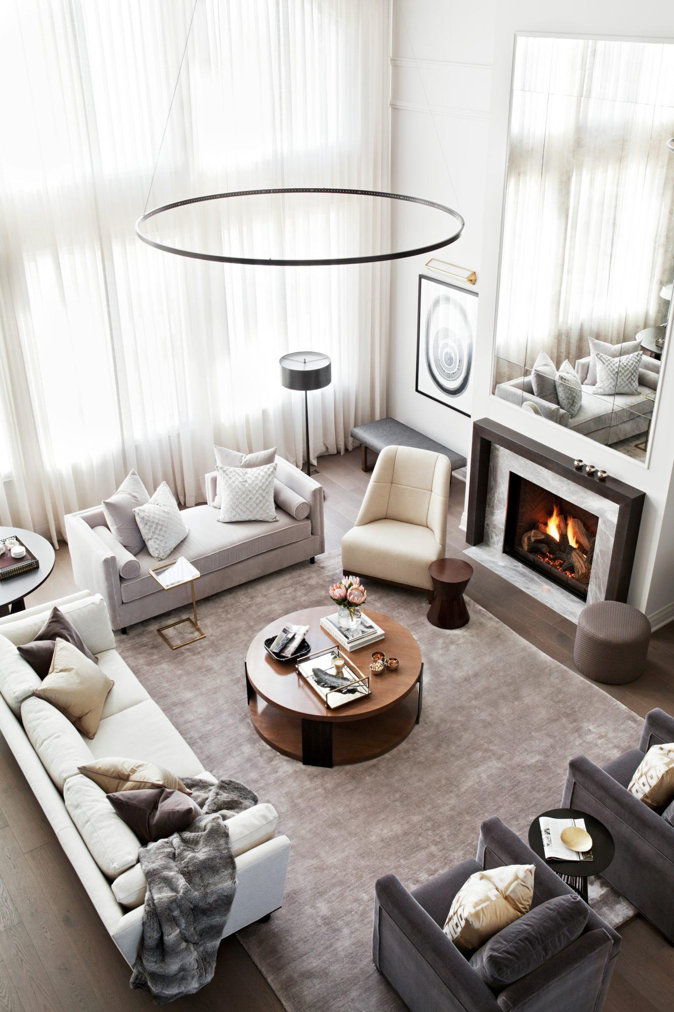 Great Room designed by Elizabeth Metcalfe Interiors & Design Inc. by Elizabeth Metcalfe Interiors & Design Inc.