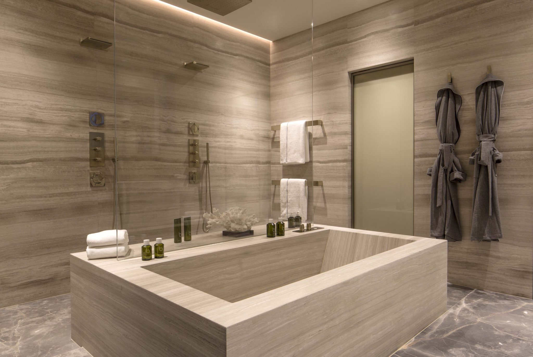Master bathroom by Staffan Tollgard