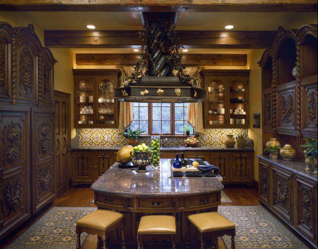 Interior design by Sherry Hayslip Interiors & Hayslip Design Associates, Inc.
