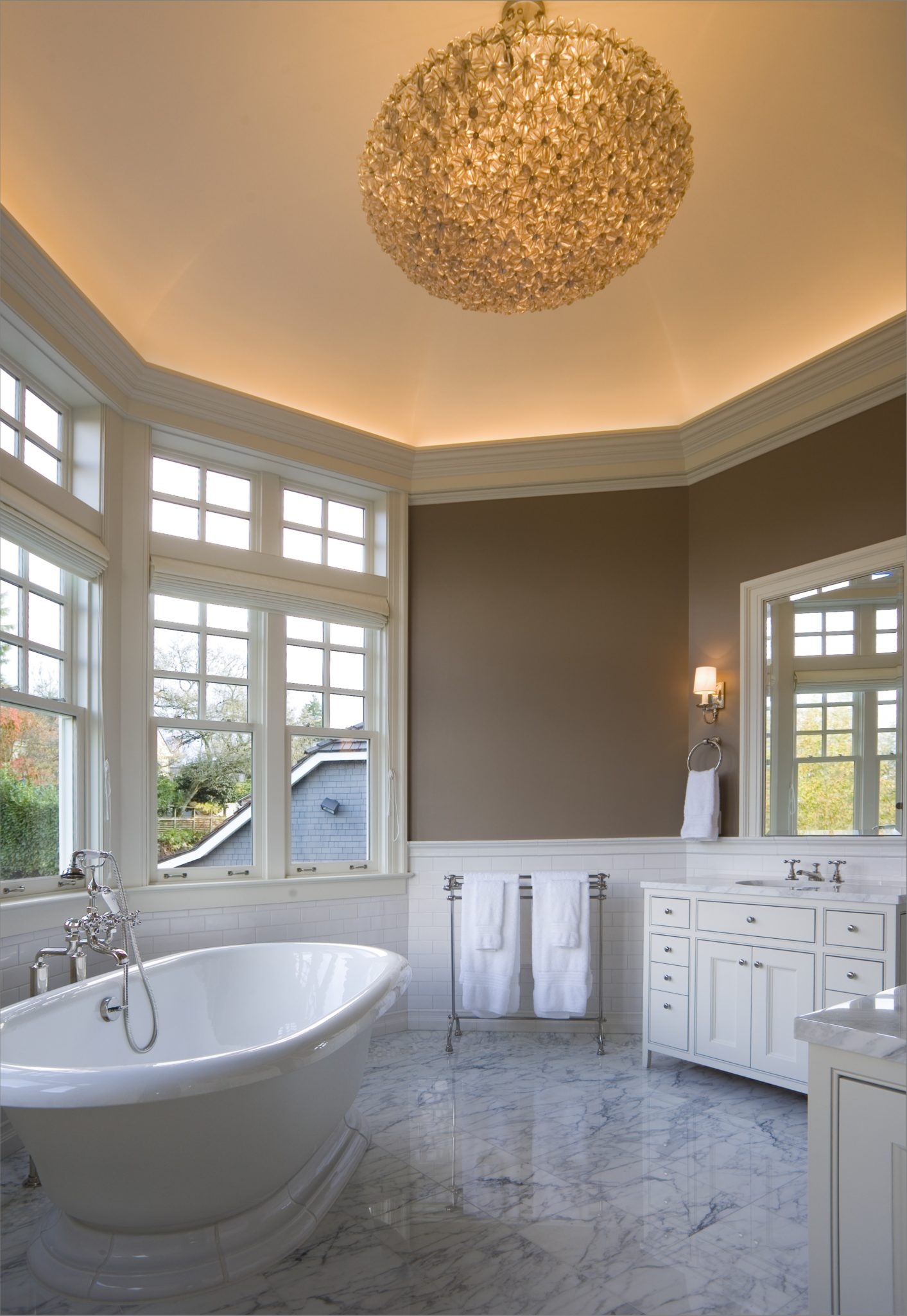 Seattle master bathroom by LeeAnn Baker Interiors Ltd.
