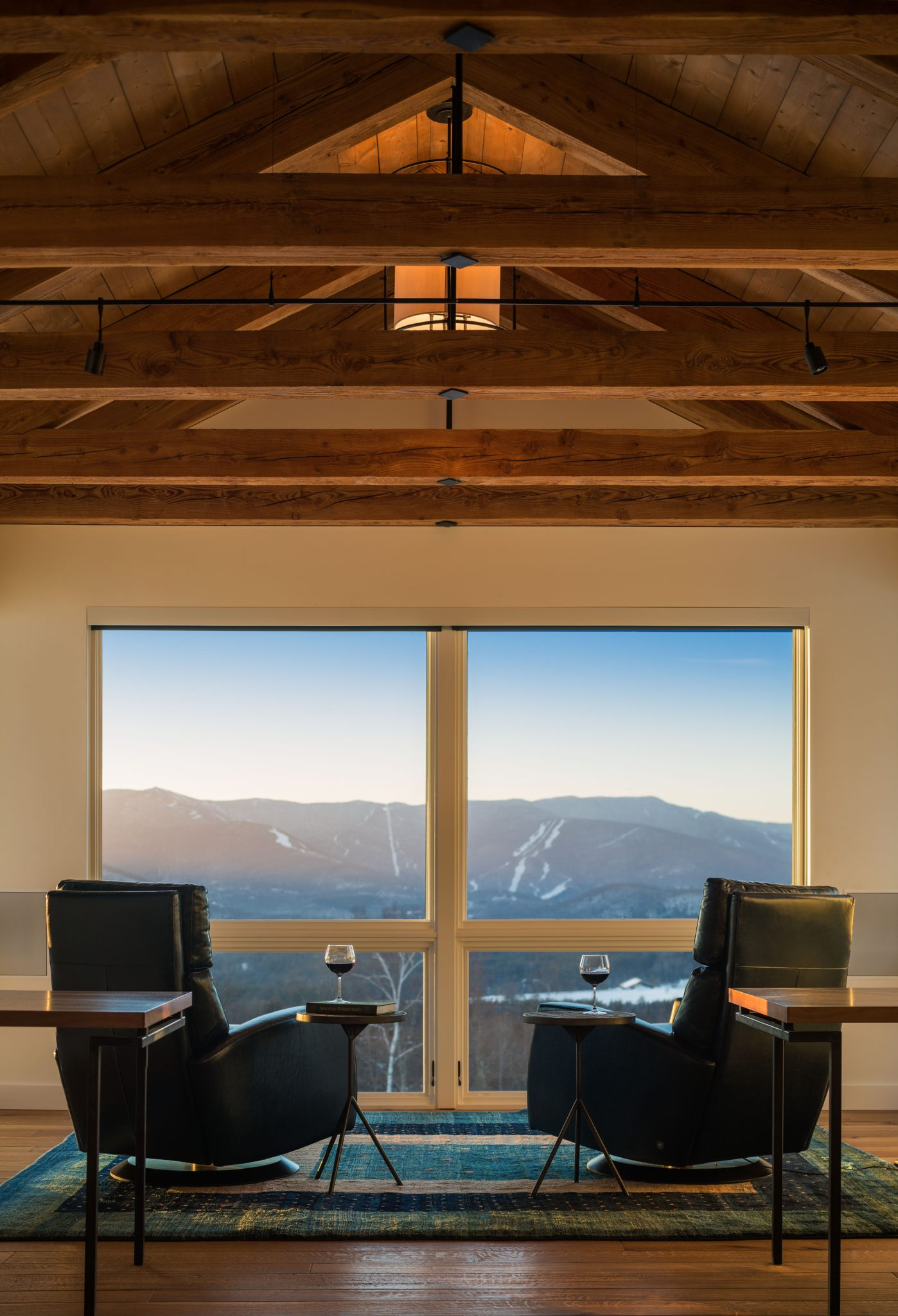 Mountain Facing Sitting Room in Vermont Ski House by Pinney Designs