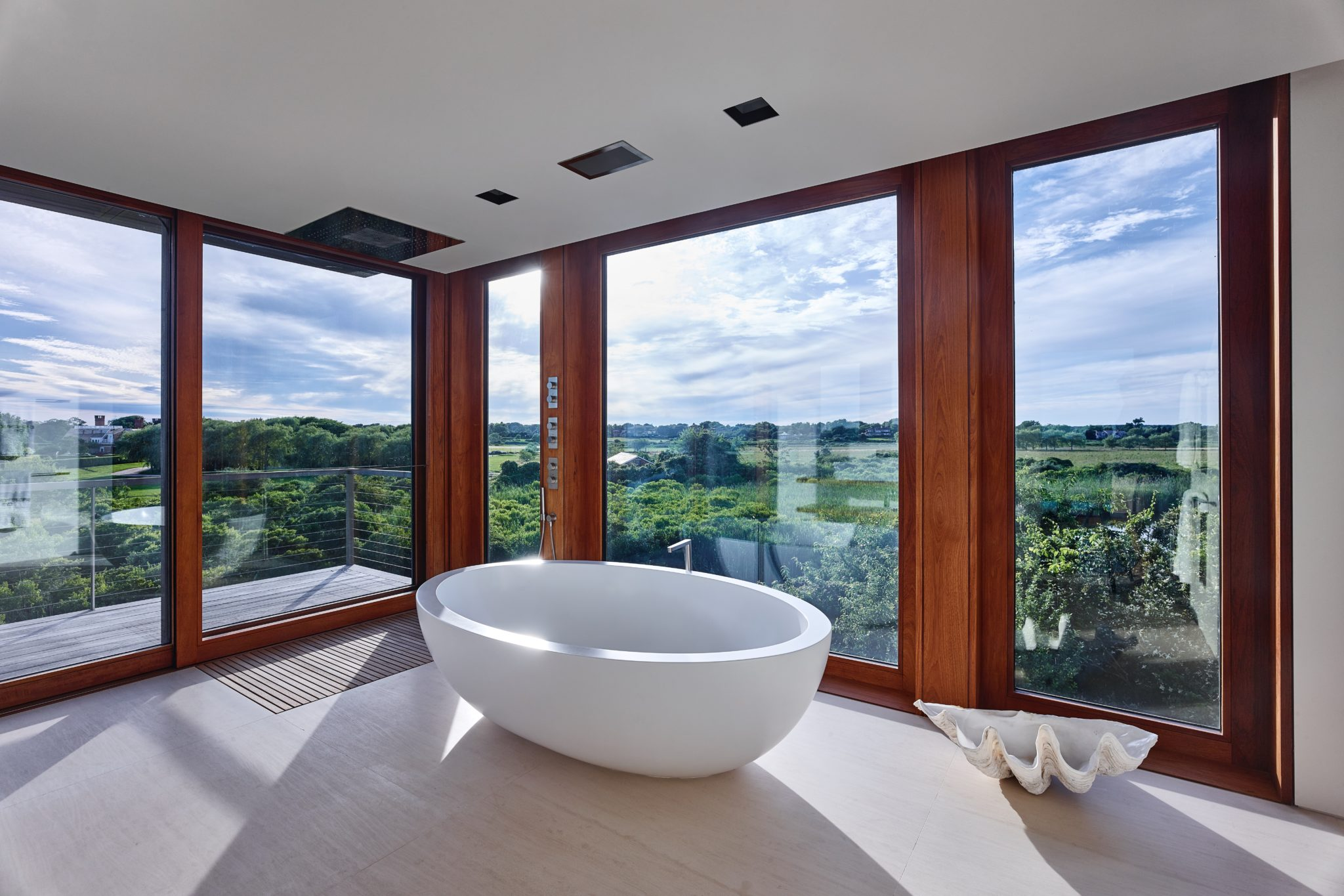 Seascape residence master bath by Stelle Lomont Rouhani Architects