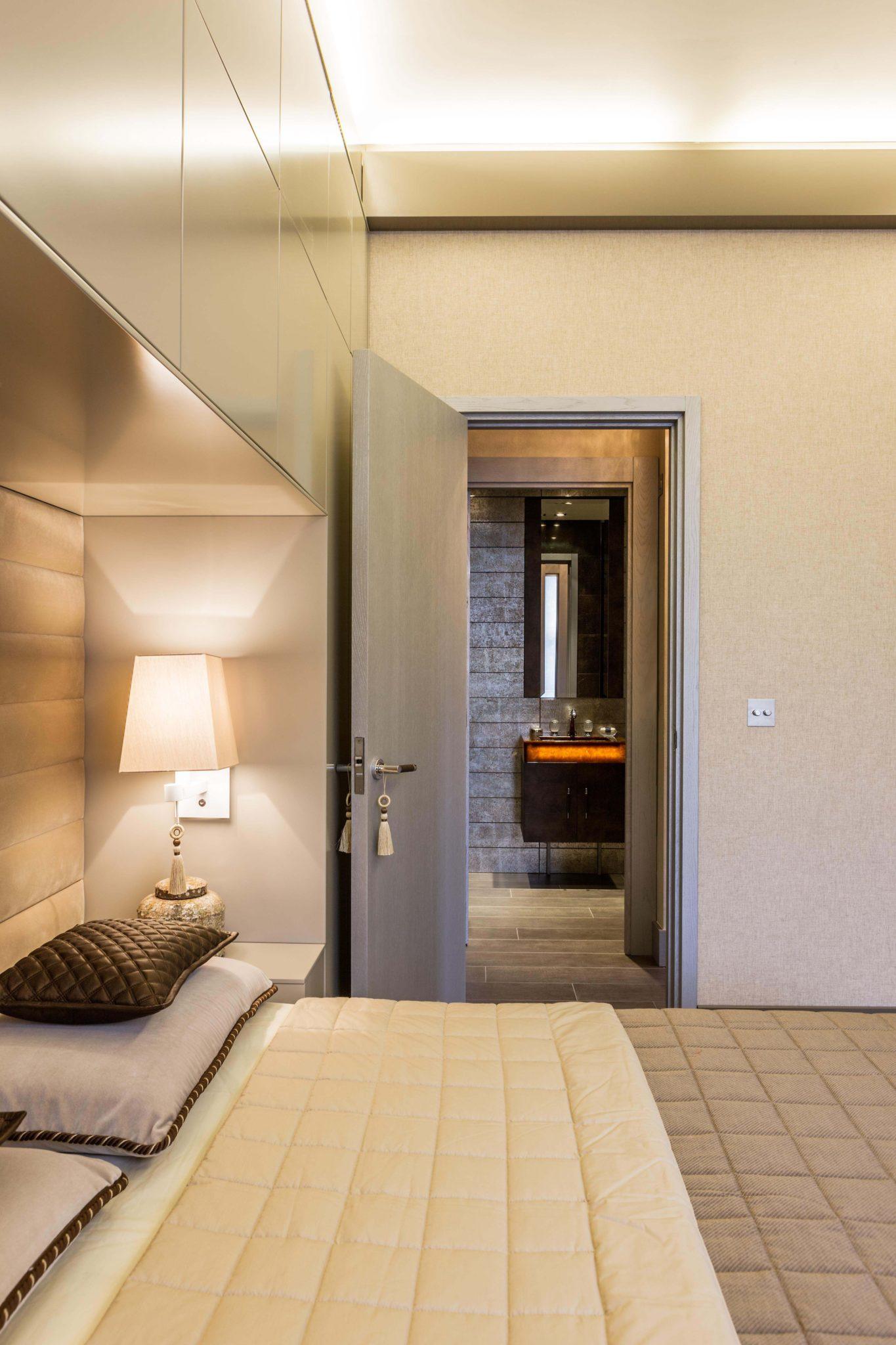 Bedroom by Keir Townsend Interiors Ltd