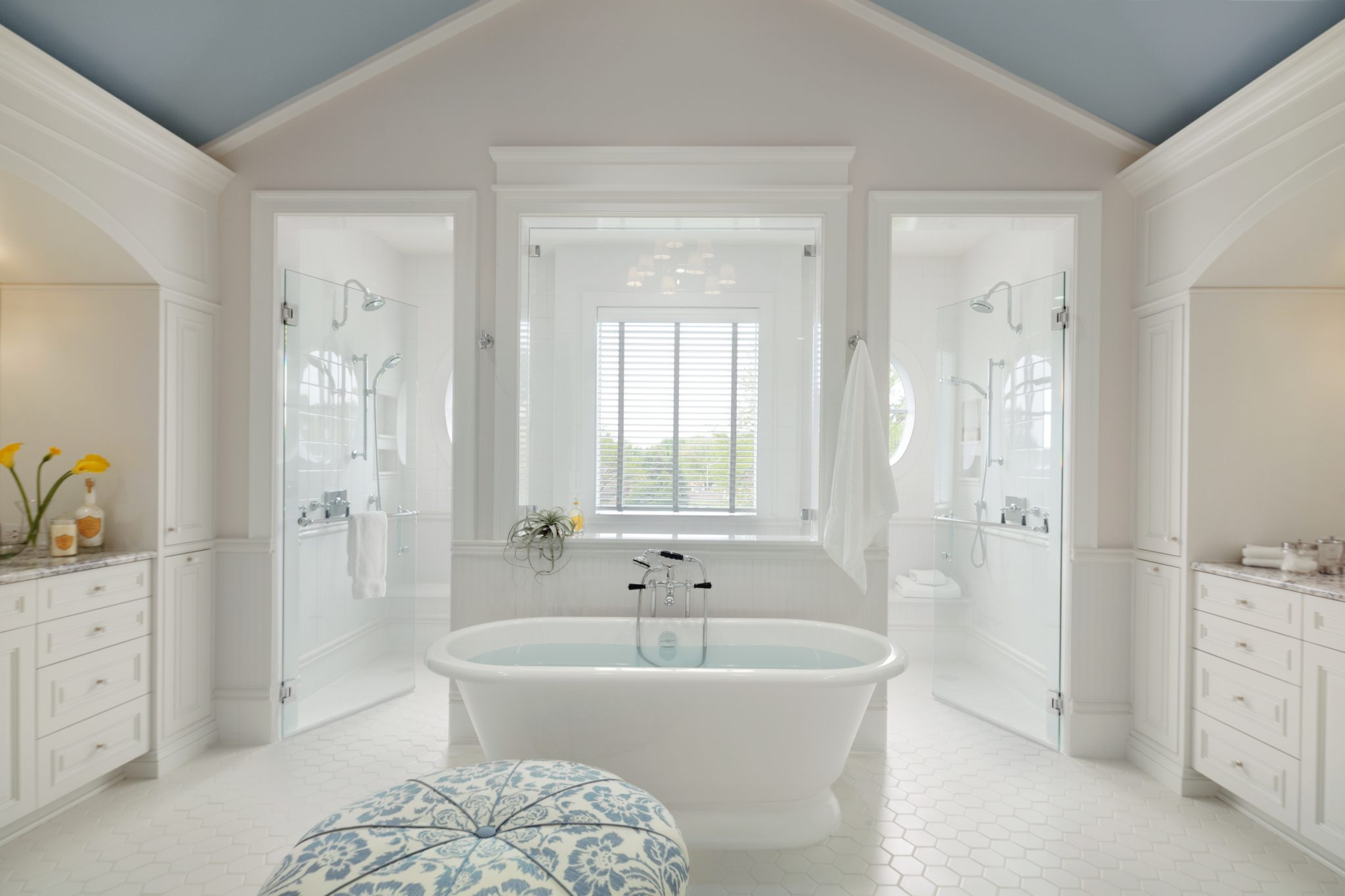 Master bathroom en suite by CK Interior Design