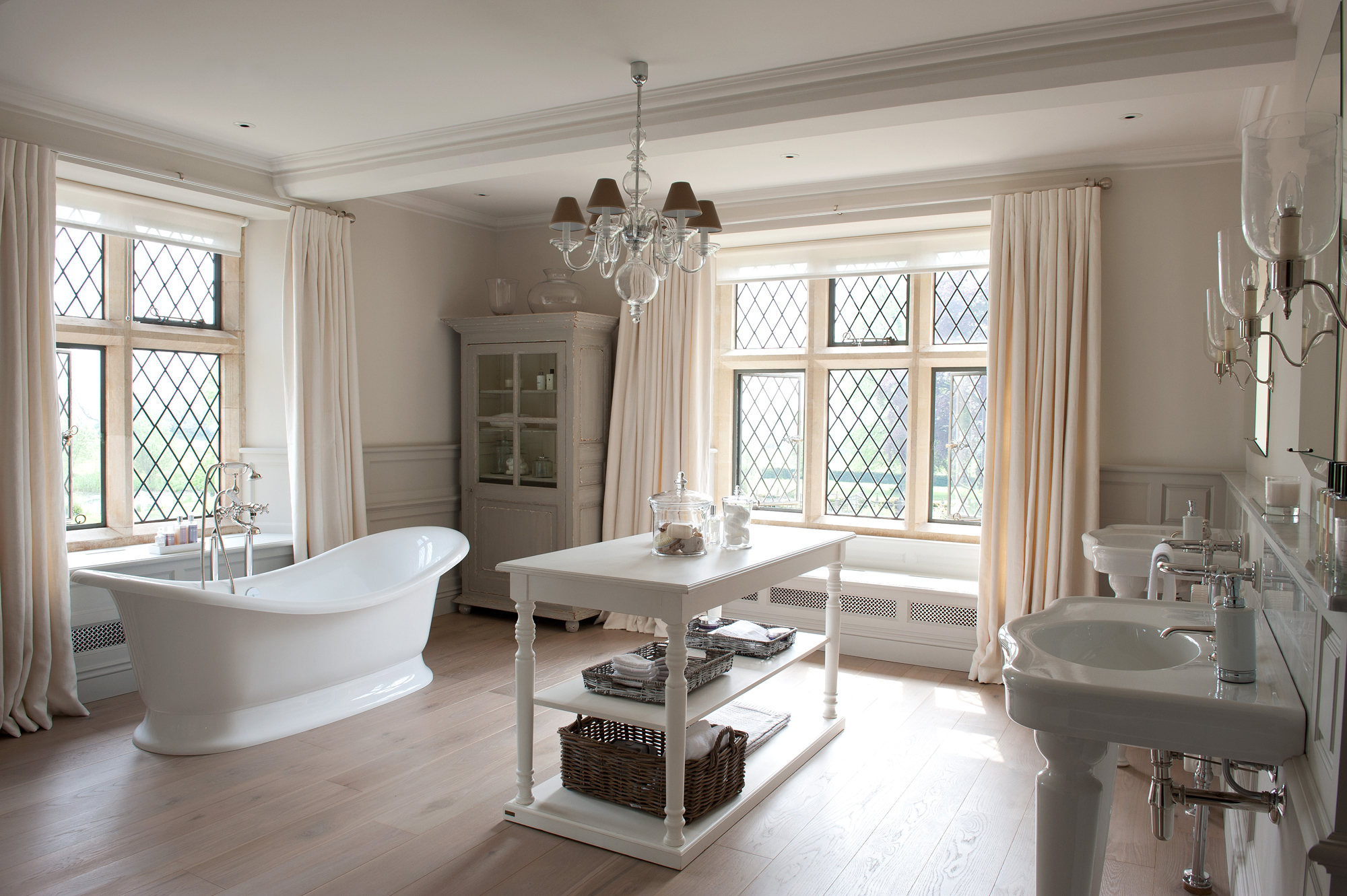 Cotswolds Manor House Master Bathroom by Sims Hilditch