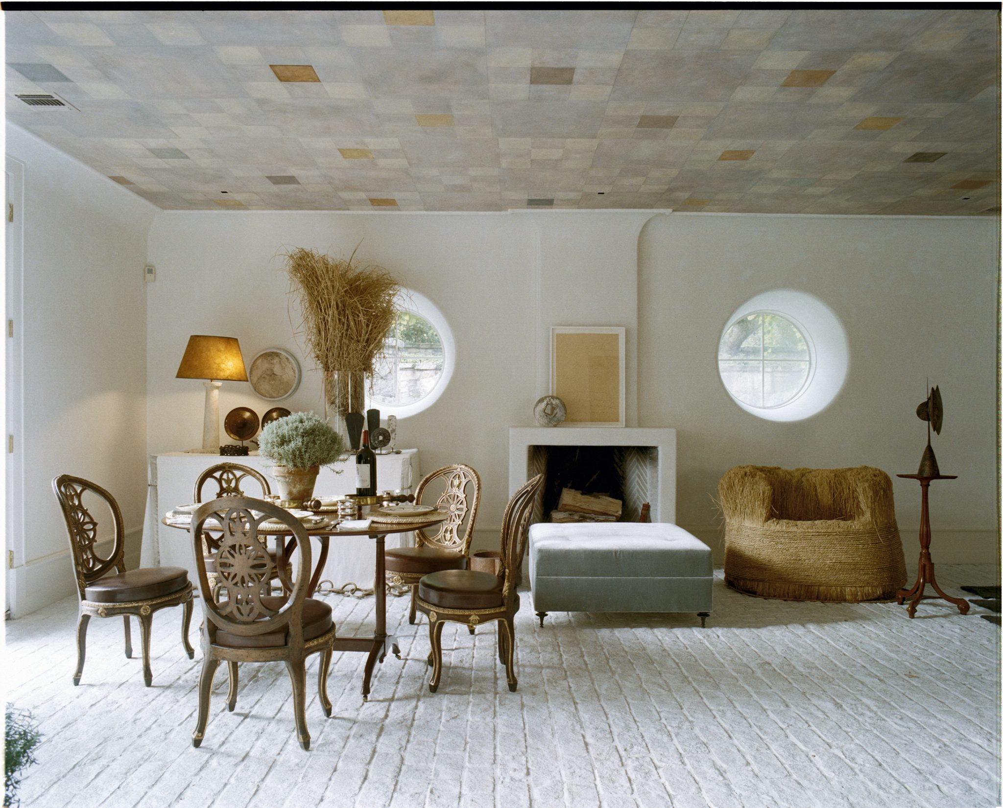 Living room with contemporary and classic furniture, patterned ceiling by Stephen Sills Associates