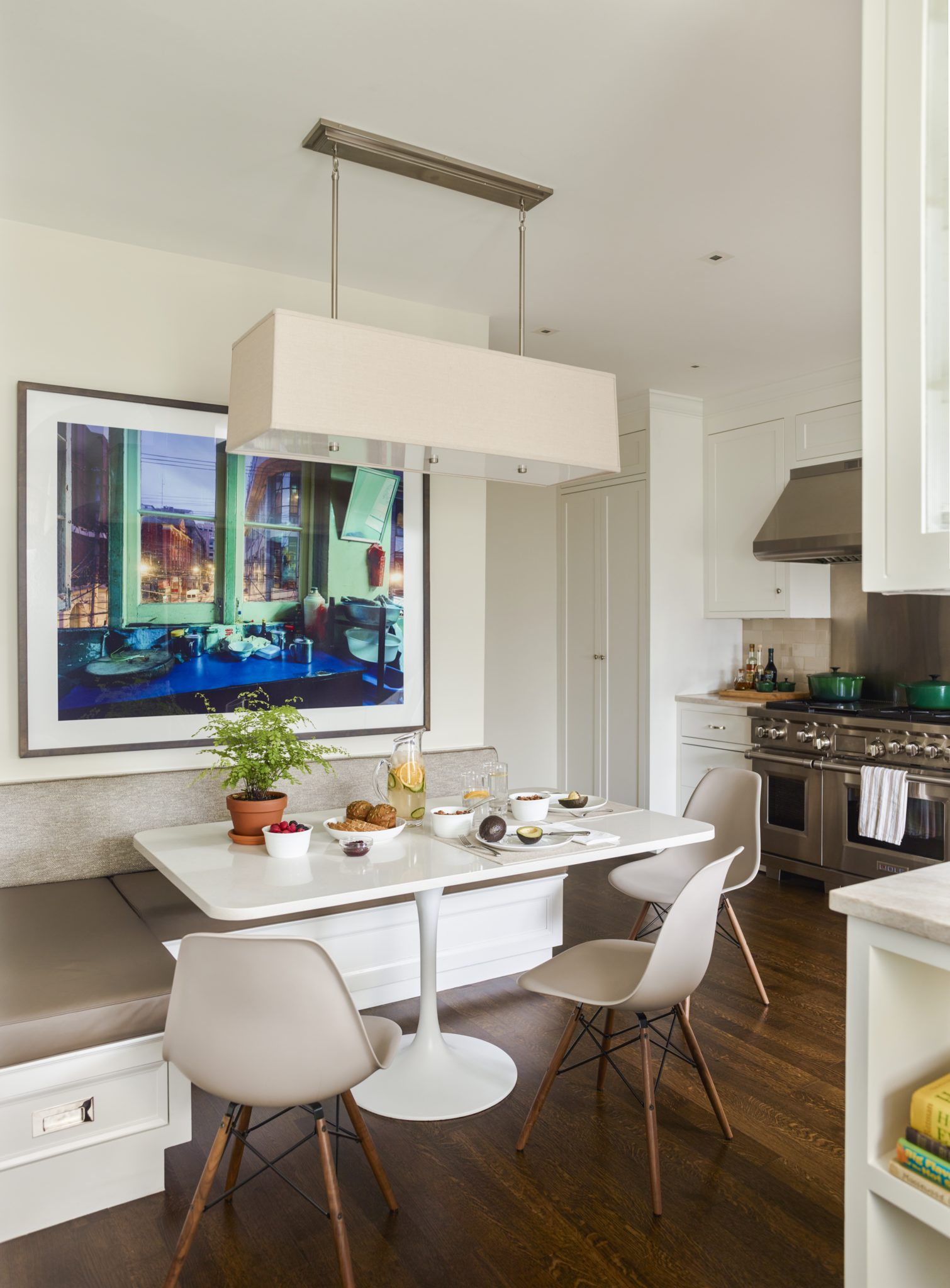 West End breakfast area by Mendelson Group, Inc.