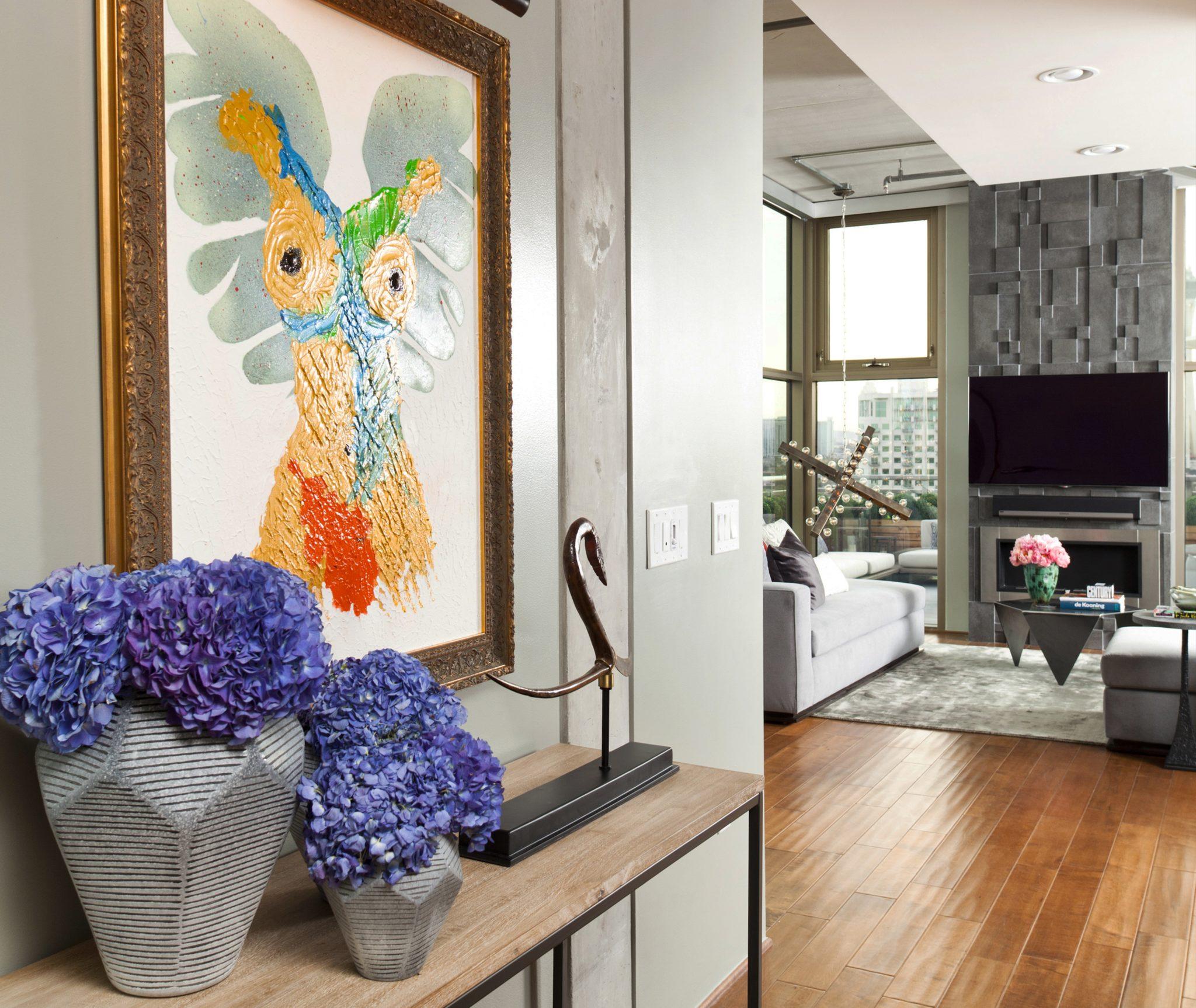 Juhl Penthouse-Entry by Daniella Villamil Interiors