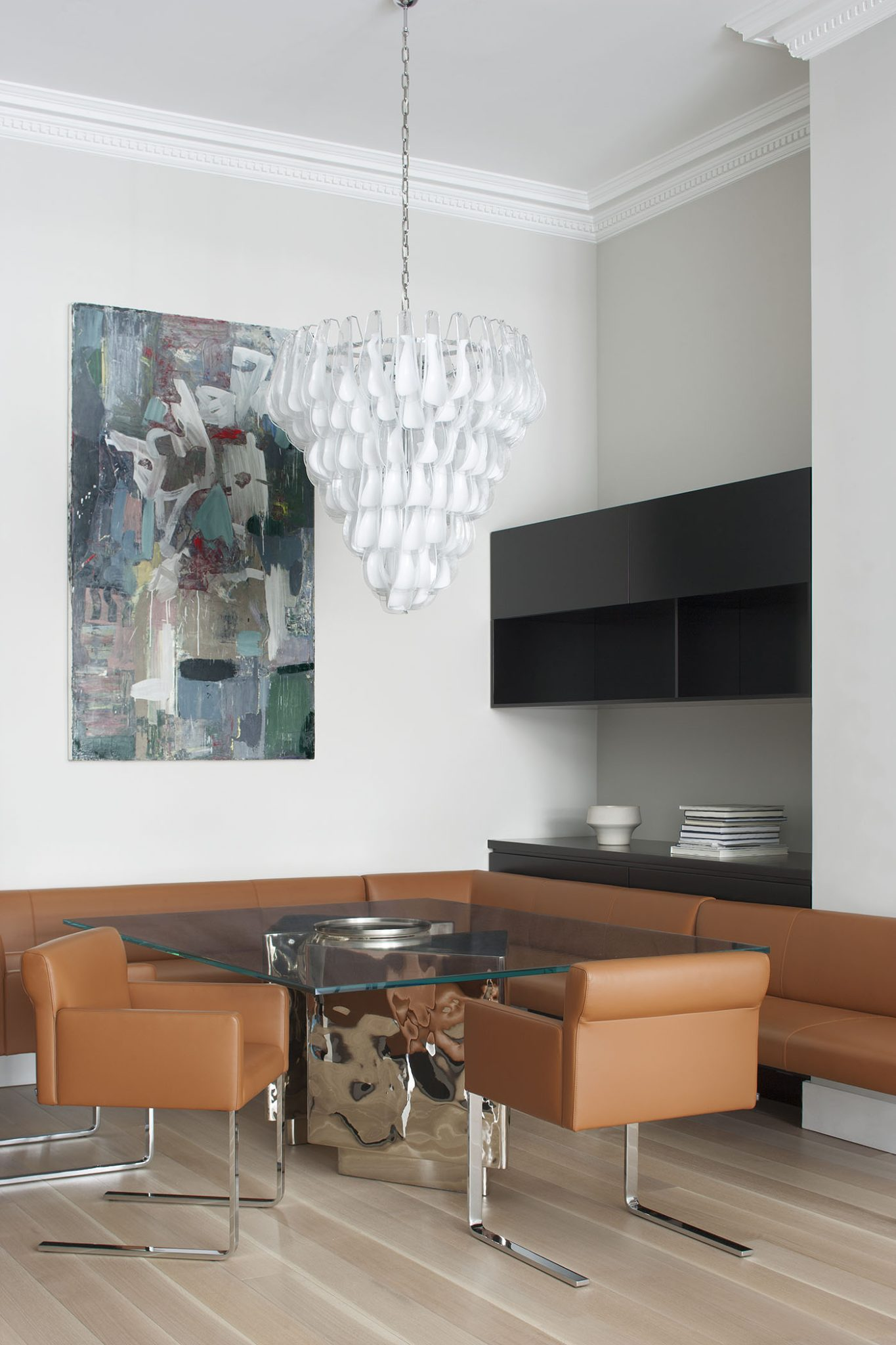 Dining area in a Park Avenue apartment by Magdalena Keck Interior Design