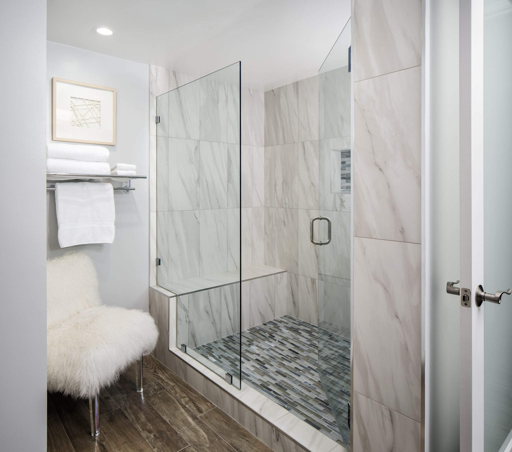 Open Walk-In Shower w/ Tommy Bahama Mosaic Accent Tile & Furry Chair Sidekick by SUZA DESIGN