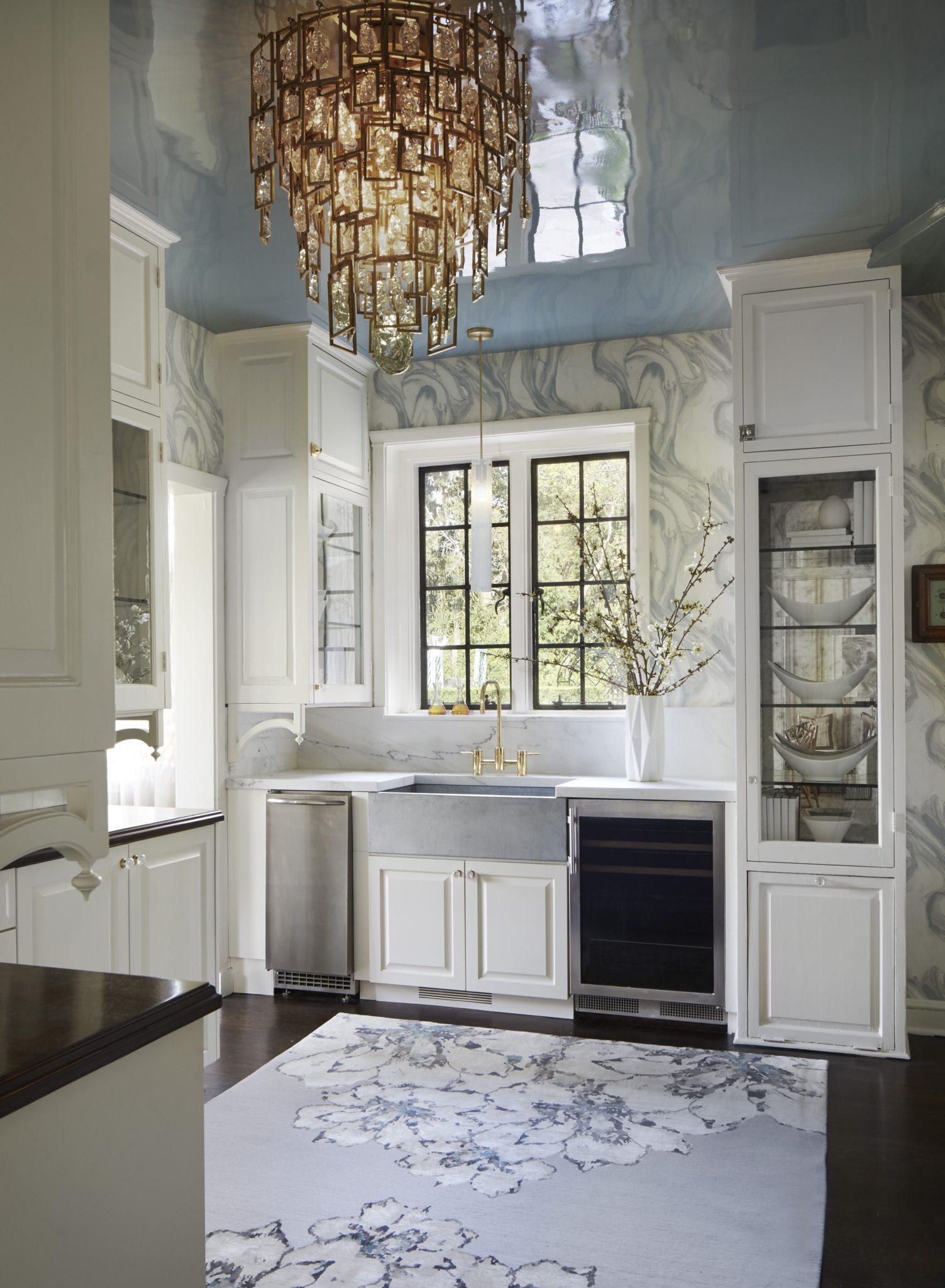 Butler's pantry byAmy Kartheiser Design