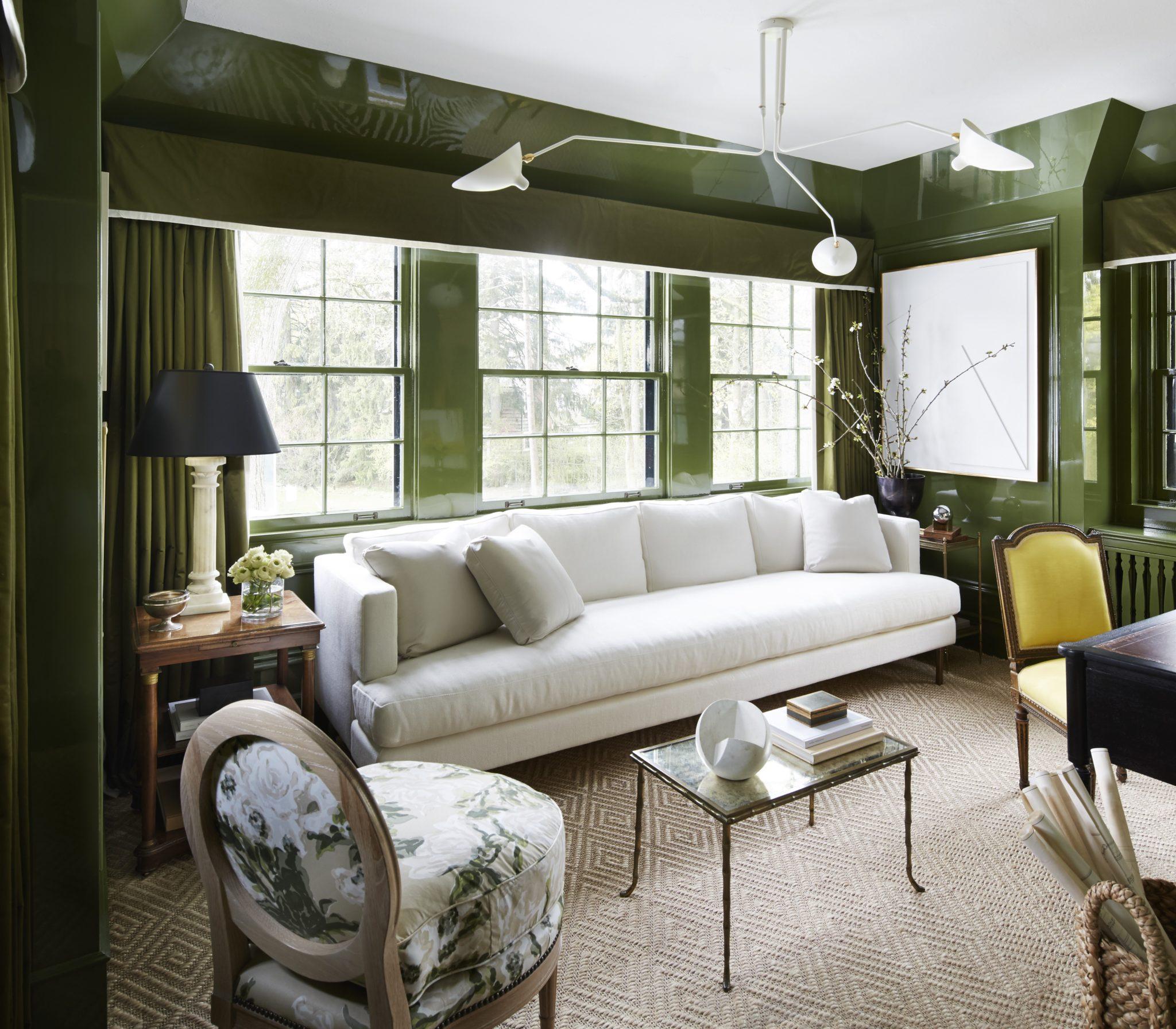 Girls' sitting room by Wendy Labrum Interiors